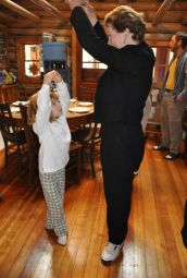 Vida Brown teaching her neice Jamie to dance